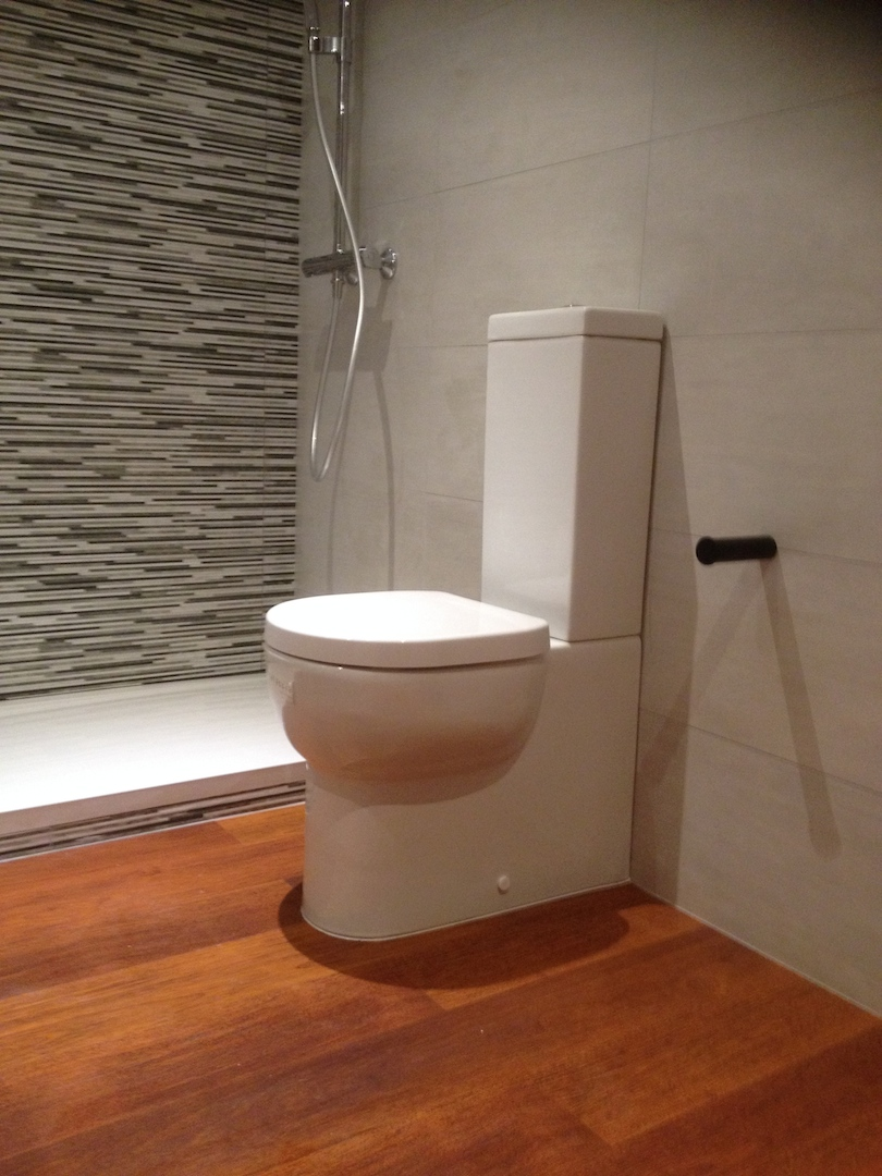 Hacer muebles con palets reformas barcelona for Fabricar muebles