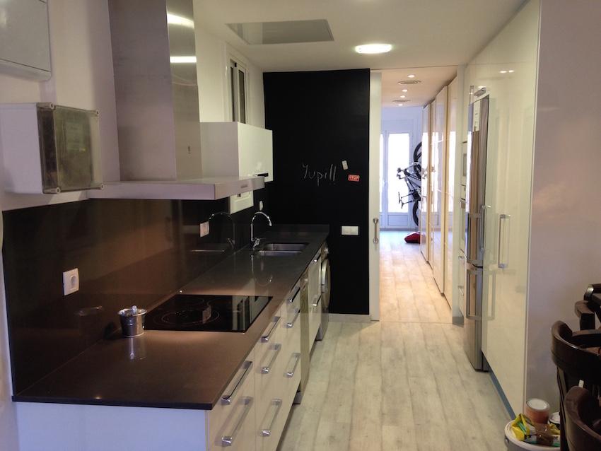 Platos de ducha de obra reformas barcelona for Presupuesto reforma integral piso 80 metros