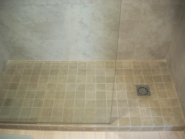 Platos de ducha de obra reformas barcelona - Como colocar un plato de ducha de resina ...