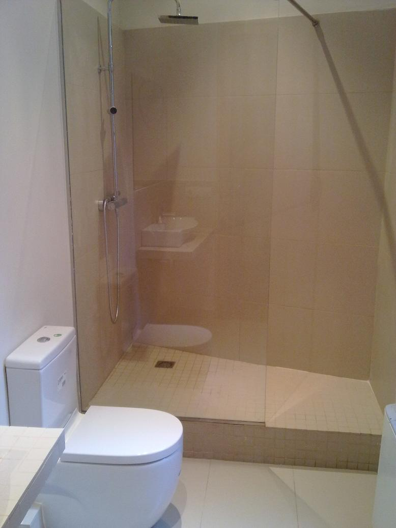 Bathrooms remodelation barcelona reformas barcelona for Reformas de banos pequenos fotos