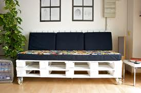 Hacer muebles con palets reformas barcelona - Hacer sofas con palets ...